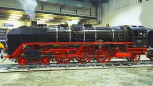 LIVE STEAM MODEL LOCOMOTIVES IN ACTION!! * REAL STEAM TRAINS, MODEL RAILWAY, RAILROAD