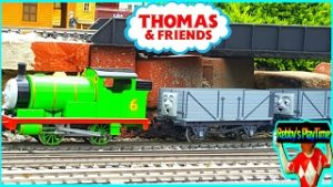 Thomas And Friends Model Trains Layout. Cool Toy Train Videos for Children. Rebby's PlayTime.
