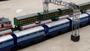INDIA FASTEST MODEL TRAIN| INDIAN RAILWAYS ( MAAL GAADI )TOY TRAIN | RAILKING AND CENTY TOYS