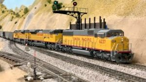 NON STOP HO Scale Model Trains: BNSF, UP & SP | Ep. 19