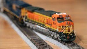 ScaleTrains BNSF HO Scale Dash 9 C44-9W Unboxing