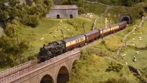 Passenger Trains, Parcels Trains and Three Cylinder Locomotives – Yorkshire Dales Model Railway