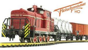 Vintage Fleishmann HO-Scale 14V Electric Model Train Set Unboxing & Review