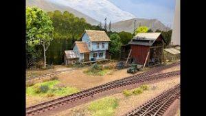 Model Railroad Update 34 (Grade Crossing & Scenery)