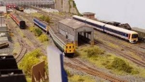 Model Railway Update -32 …Jumble Lane Review…Pendo Problems….Guest UB40 LOL