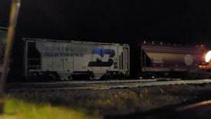 BNSF Model Trains Night Run Rollby #BNSFlayout #modelrailroad #hoscale