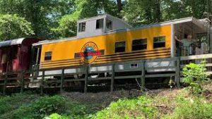 Great Smokey Mountain Railroad: Model trains, trestle, and ride along!