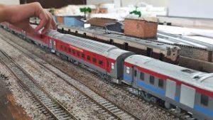 LHB RAKE PASSING NEAR MOUNTAIN | HO SCALE MODEL | INDIAN RAILWAYS | SUPER REALISTIC MODEL TRAIN