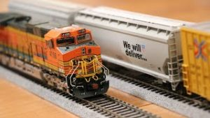 Walthers HO Scale Boxcar Hopper Unboxing