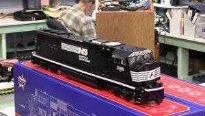 USA Trains G Scale SD70MAC Tsunami2 & Camera