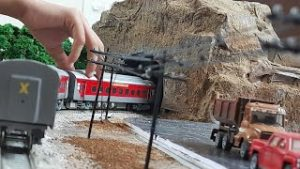 TRAIN PASSING THROUGH  TUNNEL ON MY LAYOUT    INDIAN RAILWAYS    MODEL RAILROAD    HO SCALE